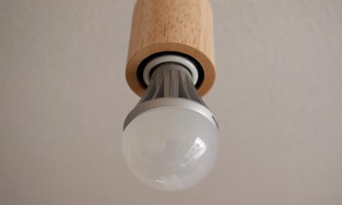 TOSHIBA E-CORE LED電球 LEL-AW6N/2